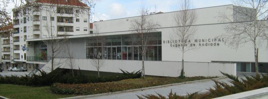 """Biblioteca do Fundão com entrega de livros ao domicílio e """"take-away"""""""