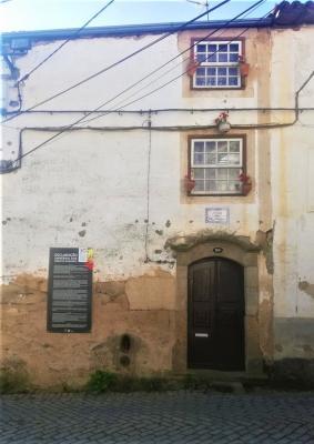 Casa das Três Marias, Donas